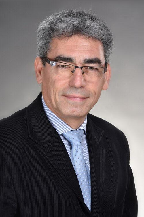 Dr. Csokonay Péter - az Otthoni-kezeles.hu orvos szakértője, lágylézer sepcialista