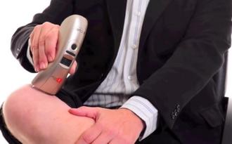 A kezelést saját maga is elvégezheti a kézi lézerrel, akár ebédszünetben, utazás közben, munkahelyen vagy otthon.